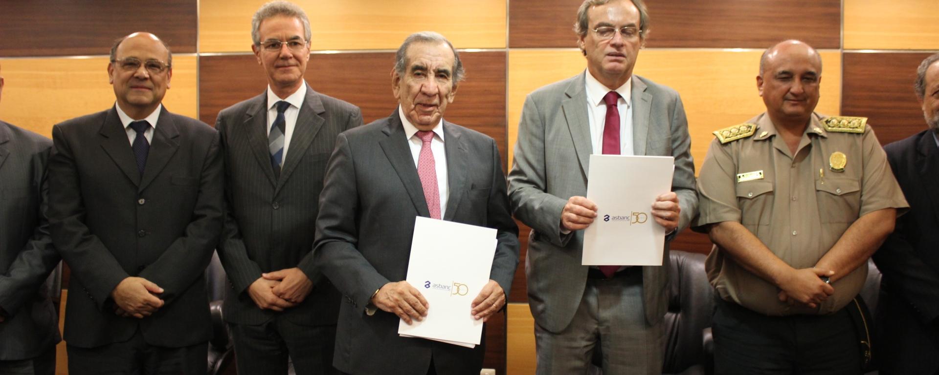 PRESIDENTE DE ASBANC Y MINISTRO DEL INTERIOR | FOTO ASBANC