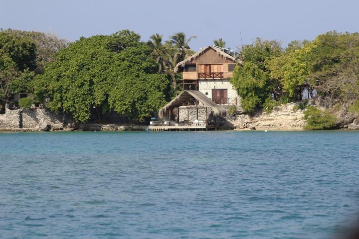 Isla Rosario Cartagena Colombia.jpg