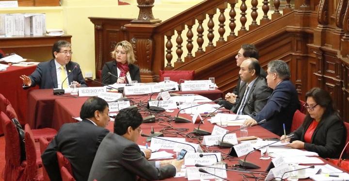 Contralor Nelson Shack en Comisión de Presupuesto-1