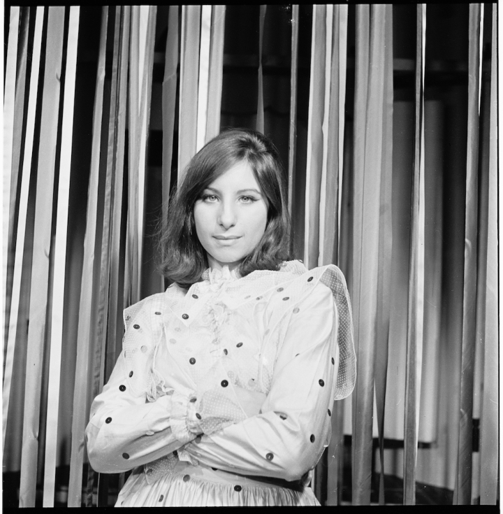 BARBRA STREISAND BECOMING AN ICON (2).jpg